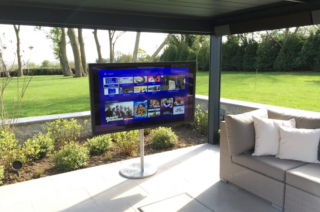 26 32 42 55 65 70 82 Outdoor Tv