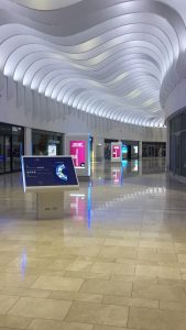OOH TV Advertising & Signage Display Screens